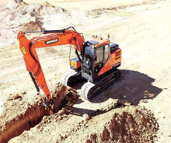 Doosan DX3OZ Excavator6,360 lb.21.2 hp