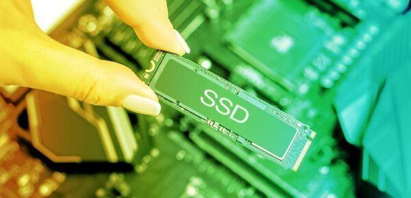 Nên chọn ổ cứng SATA hay NVMe